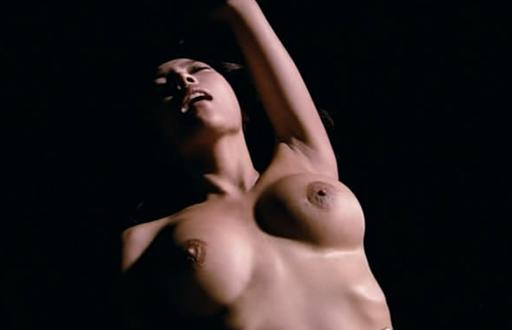 italyanskiy-eroticheskiy-film-iskushenie-smotret